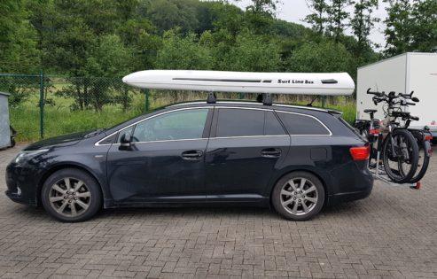 Toyota Avensis Kundenbilder Surfline Dachbox SLB 660 inkl. Surfbretthalter