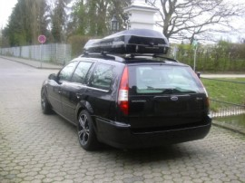 Ford Foto's van dakkoffers Big-Malibu XL Surf met surfplankhouder