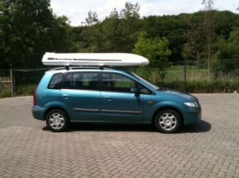 Kombi Surfbox Mazda Dakkoffers stationwagen