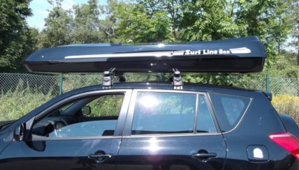 Dachbox von Mobila auf SUV Toyota rav4 big malibu xl  - © surfbox.de