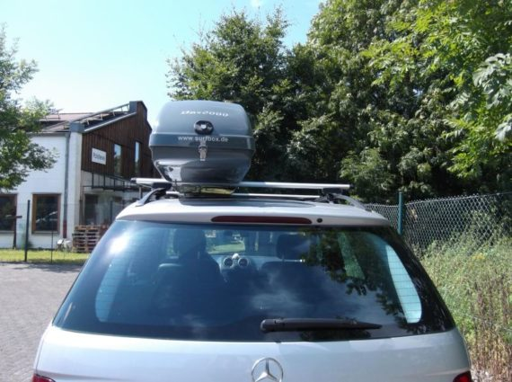 Dachbox von Mobila auf   Benz mercedes SURF LINE BOX 300 grau  - © surfbox.de