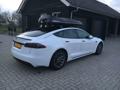 "Tesla Model S Kundenbilder Dachbox Moby Dick ""Aktion alles inklusive"""
