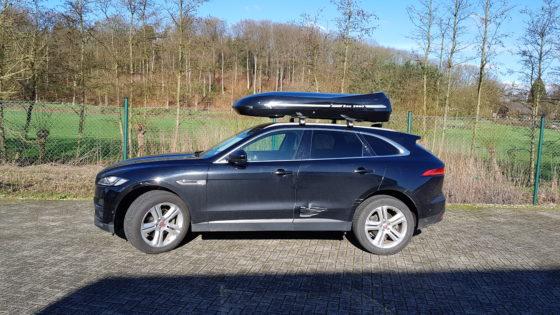 Jaguar F-Pace Kundenbilder Beluga XXL Dachbox – Urlaub mit Hund
