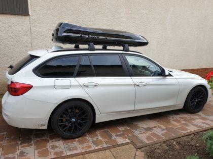 BMW Bmw  Kundenbilder Malibu Dachbox mit Surfboardhalter auf dem Deckel